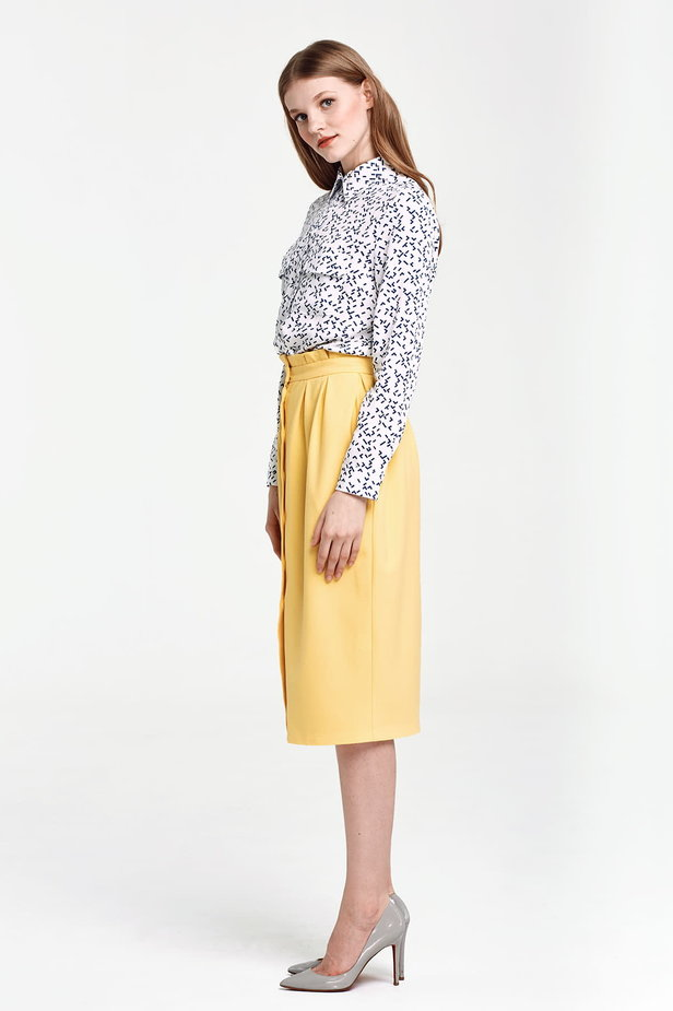 Yellow skirt with buttons and ruffles on the belt photo 2 - MustHave online store