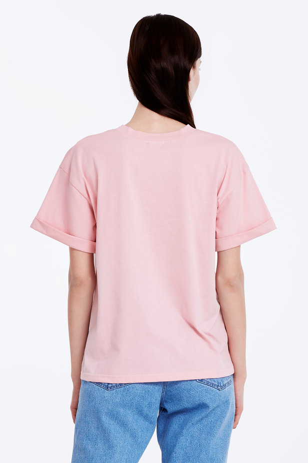 Loose-fitting pink T-shirt with cuffs photo 5 - MustHave online store
