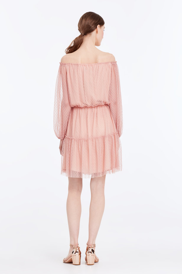 Off-shoulder powder pink lace dress photo 6 - MustHave online store