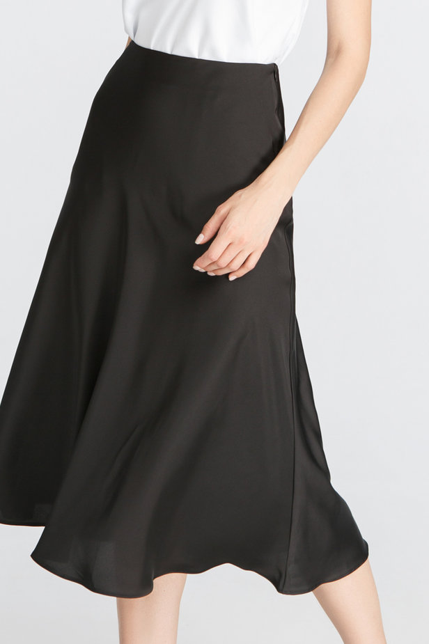 Black satin skirt below the knee photo 1 - MustHave online store