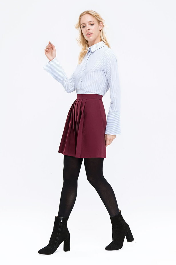 Plum skirt with pleats photo 2 - MustHave online store