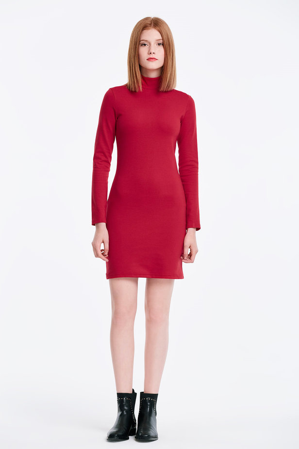 Column red dress with a stand up collar photo 3 - MustHave online store