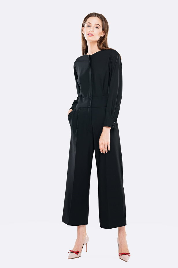Black jumpsuit with a concealed placket photo 1 - MustHave online store