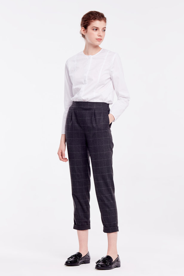 Loose grey checkered pants with cuffs photo 3 - MustHave online store