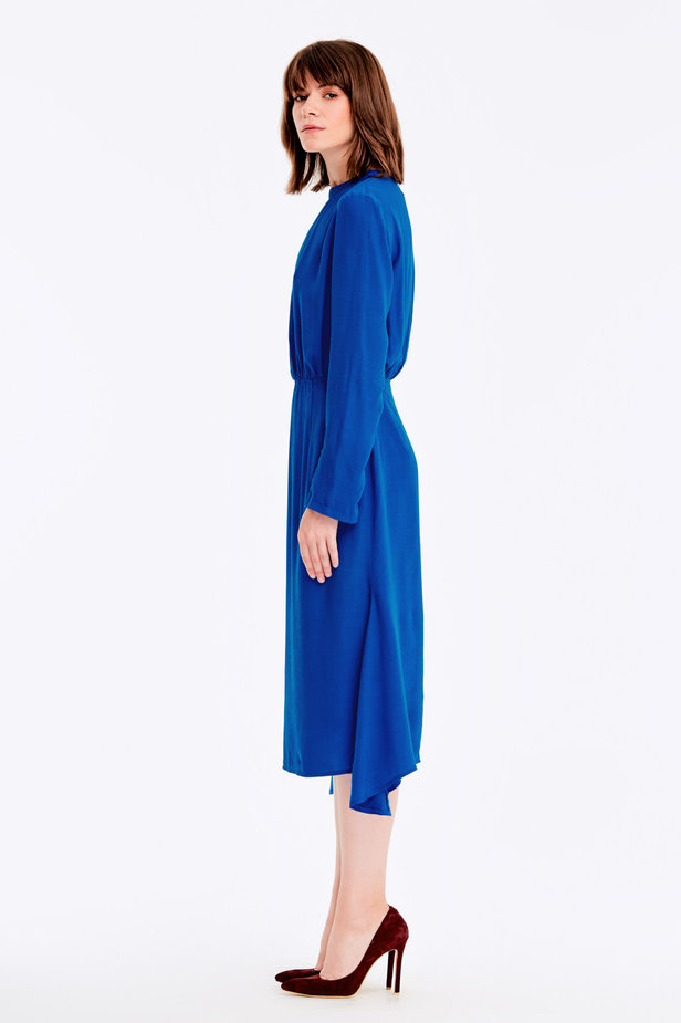 Blue dress with a keyhole photo 3 - MustHave online store