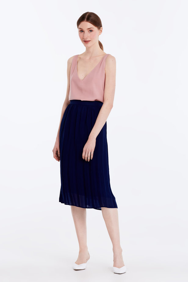 Below the knee pleated dark blue skirt photo 3 - MustHave online store