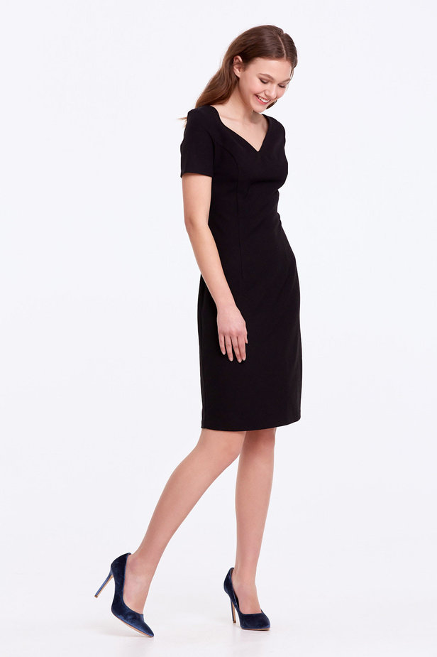 Column black dress with a V-shaped neckline photo 6 - MustHave online store