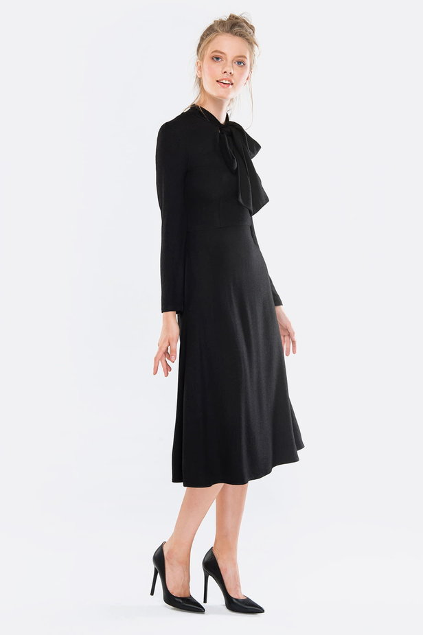 Midi black dress with a bow photo 6 - MustHave online store