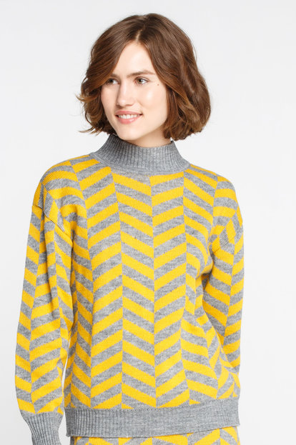 Grey and yellow herringbone sweater with wool and mohair