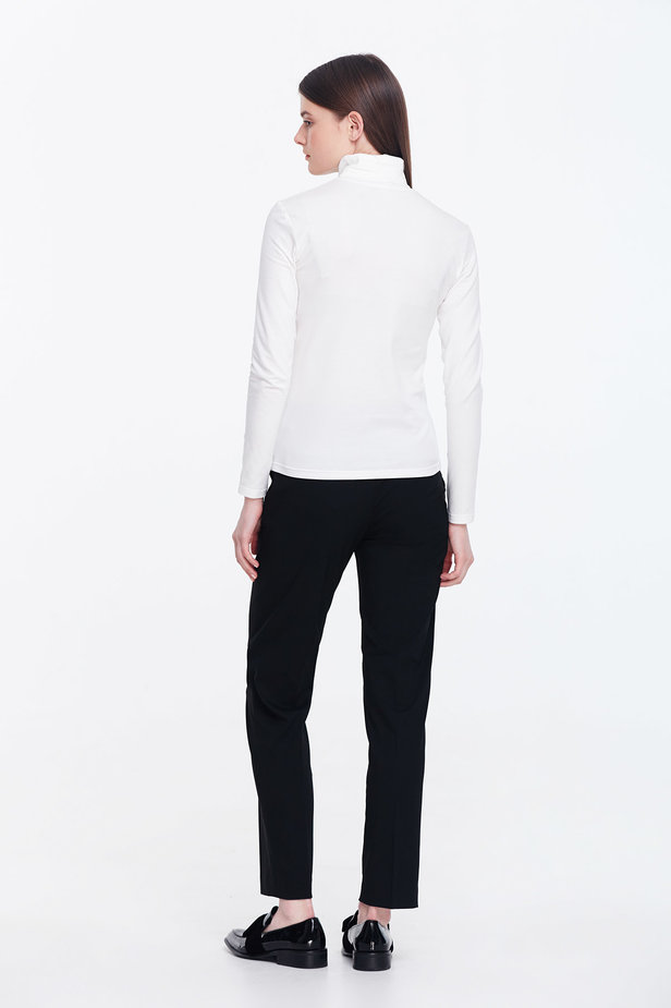 Milky polo neck photo 3 - MustHave online store