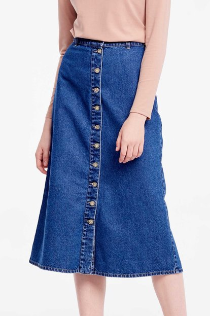 Blue denim midi skirt with buttons