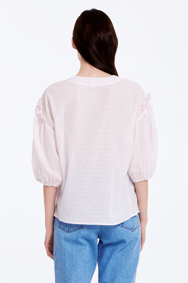 Light-pink shirt with ruffles photo 5 - MustHave online store