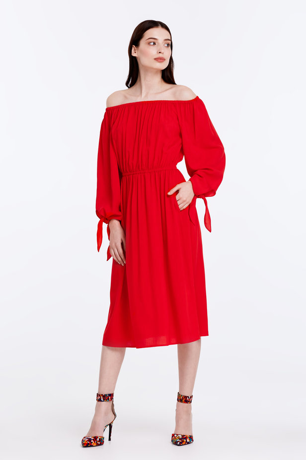 Off-shoulder red dress photo 5 - MustHave online store