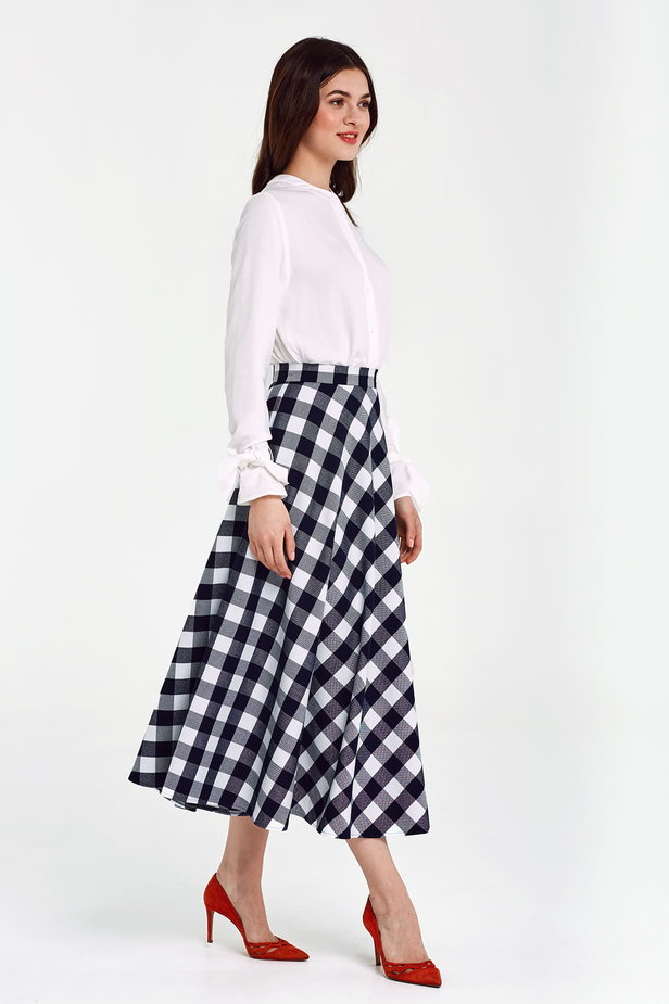 Blue and white checked flared skirt below the knee photo 5 - MustHave online store