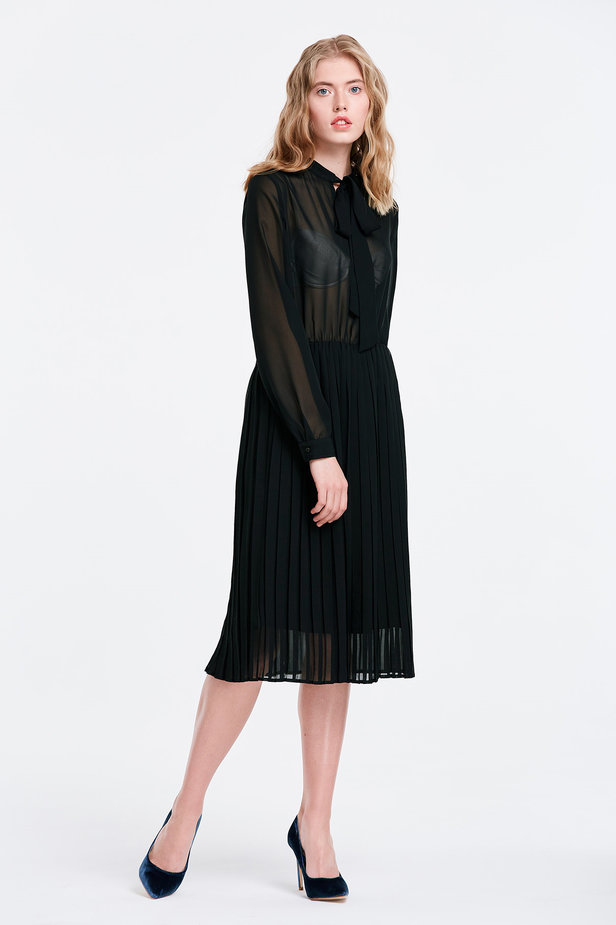 Black chiffon dress with a bow photo 4 - MustHave online store