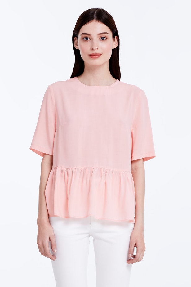 Powder pink top with a flounce photo 1 - MustHave online store