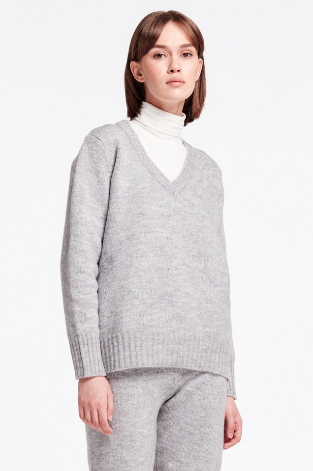 Grey V-neck sweater photo 1 - MustHave online store