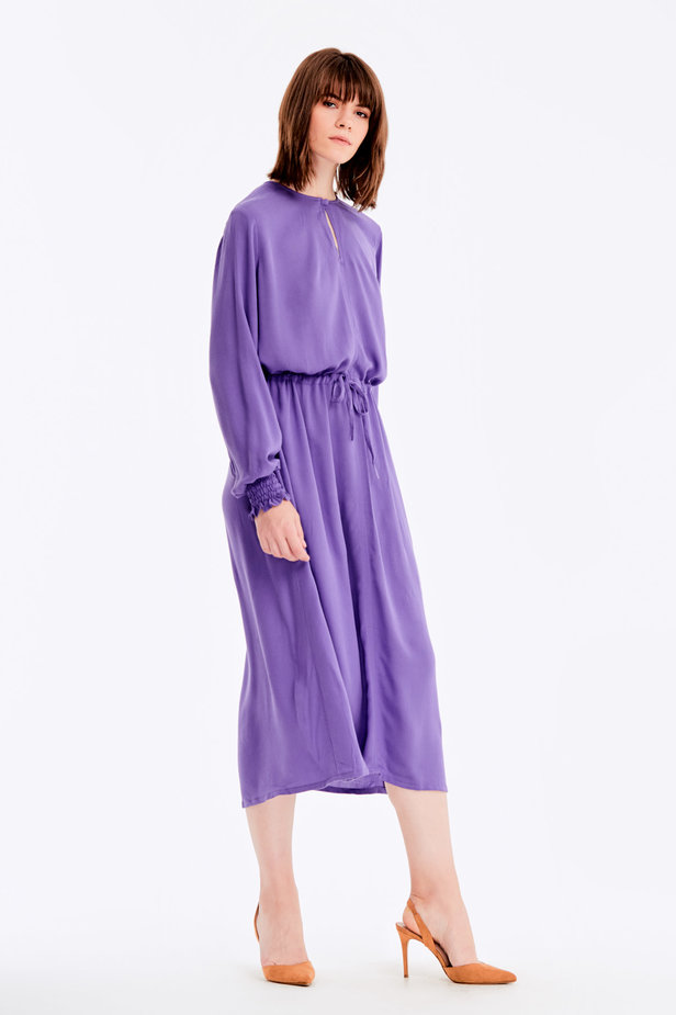 Violet dress with a keyhole photo 5 - MustHave online store