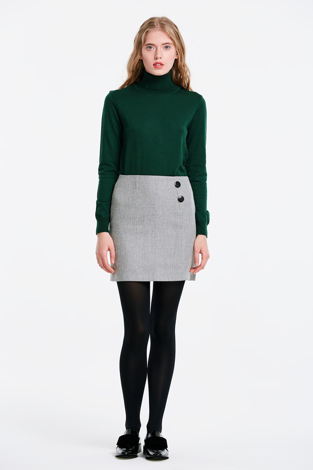 Skirt with a herringbone print and buttons photo 5 - MustHave online store