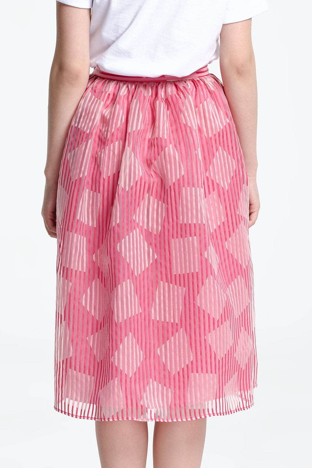 Below the knee striped pink skirt, rhombs print photo 3 - MustHave online store
