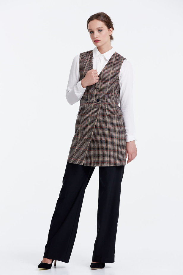 Long vest with a brown houndstooth print photo 2 - MustHave online store