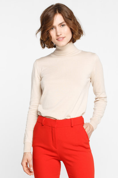 Milky turtleneck with cotton