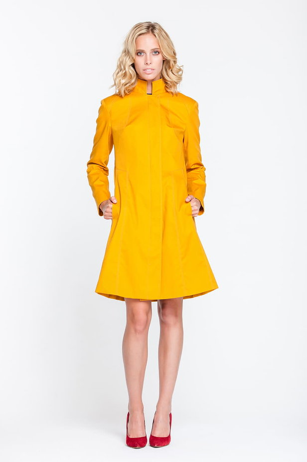 Mustard trenchcoat with a stand up collar photo 1 - MustHave online store