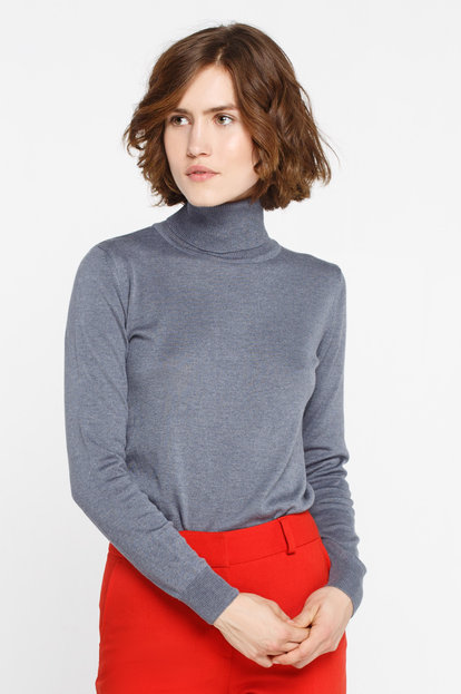 Gray turtleneck with cotton