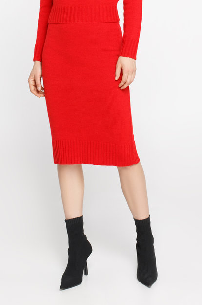 Red skirt with wool below the knee