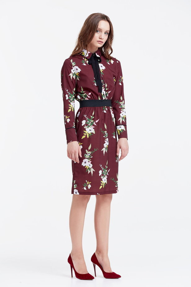 Brown dress with a floral print and a black bow photo 5 - MustHave online store