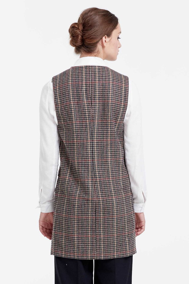 Long vest with a brown houndstooth print photo 3 - MustHave online store