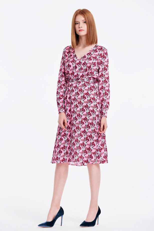 V-neck pink dress with a floral print photo 4 - MustHave online store