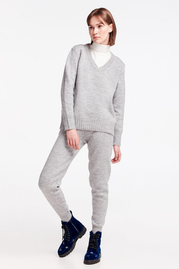 Grey V-neck sweater photo 3 - MustHave online store