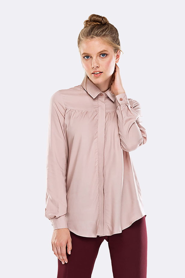 Beige shirt with pleats on the chest photo 1 - MustHave online store