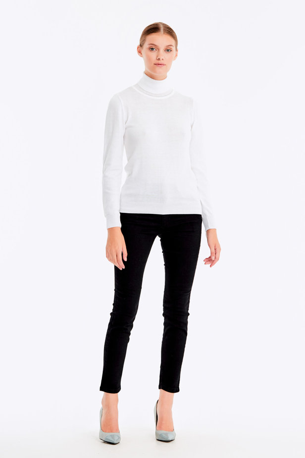 White polo neck with cotton photo 2 - MustHave online store