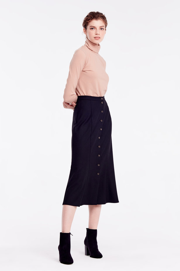 Black skirt with buttons photo 6 - MustHave online store