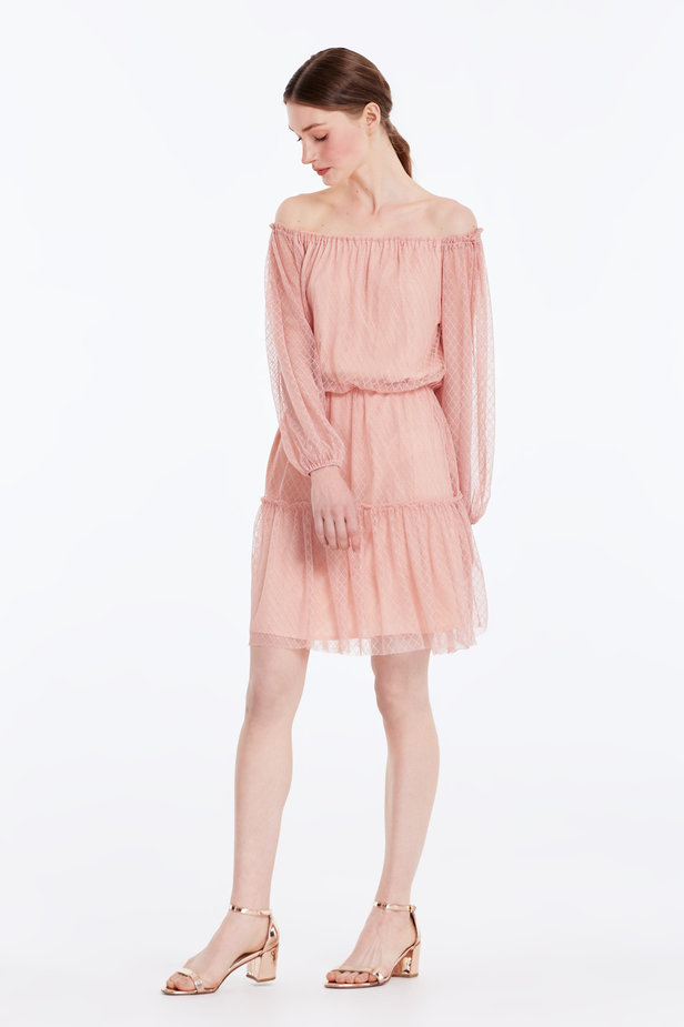 Off-shoulder powder pink lace dress photo 4 - MustHave online store
