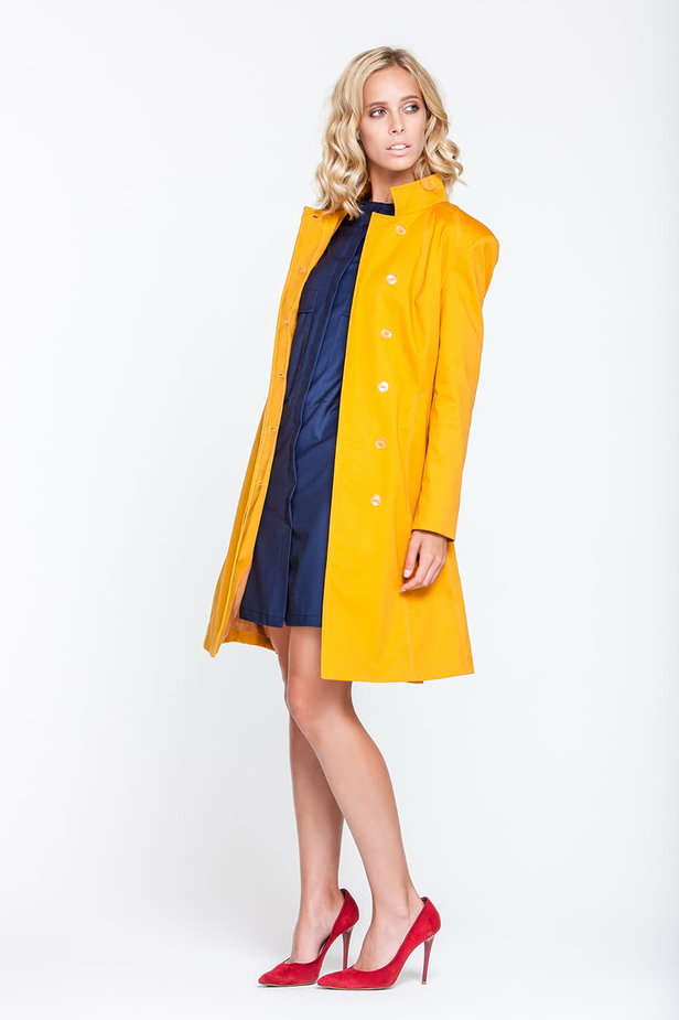 Mustard trenchcoat with a stand up collar photo 5 - MustHave online store
