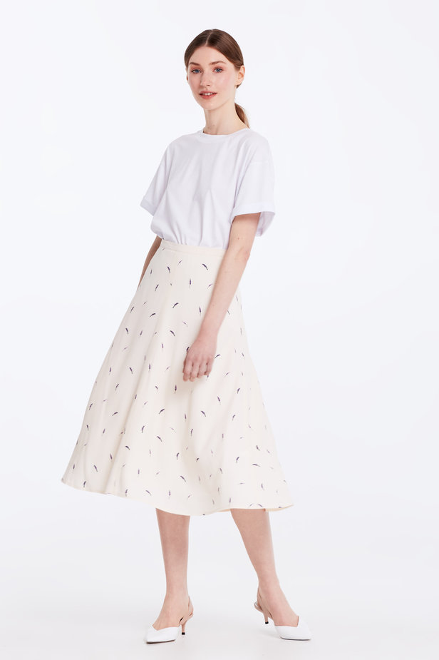 Midi peach-colored skirt with a lavender print photo 5 - MustHave online store