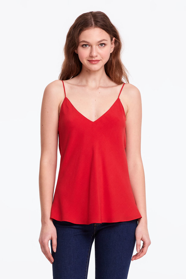 Red rayon top photo 1 - MustHave online store