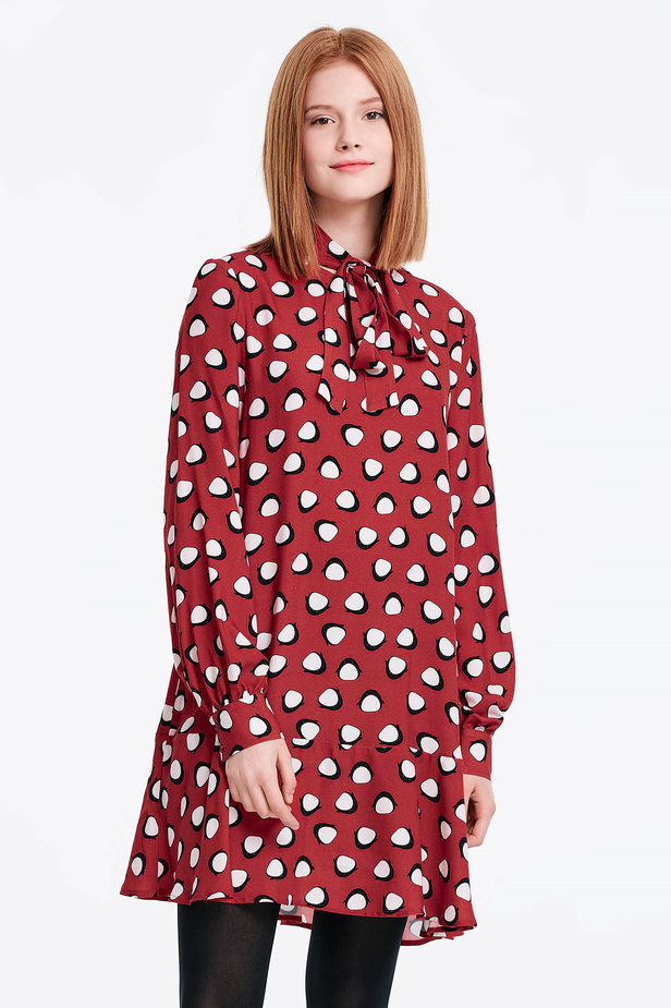 Red dress with a flounce and a bow, penguins print photo 1 - MustHave online store