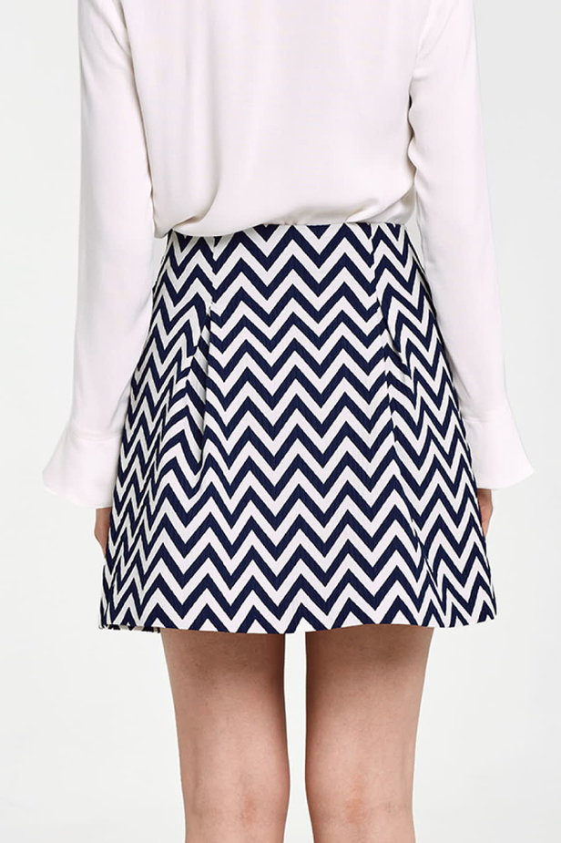 Skirt with white and blue zigzag and buttons photo 4 - MustHave online store