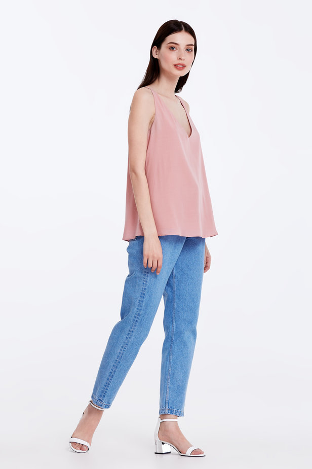 Powder pink top with a low neckline photo 3 - MustHave online store