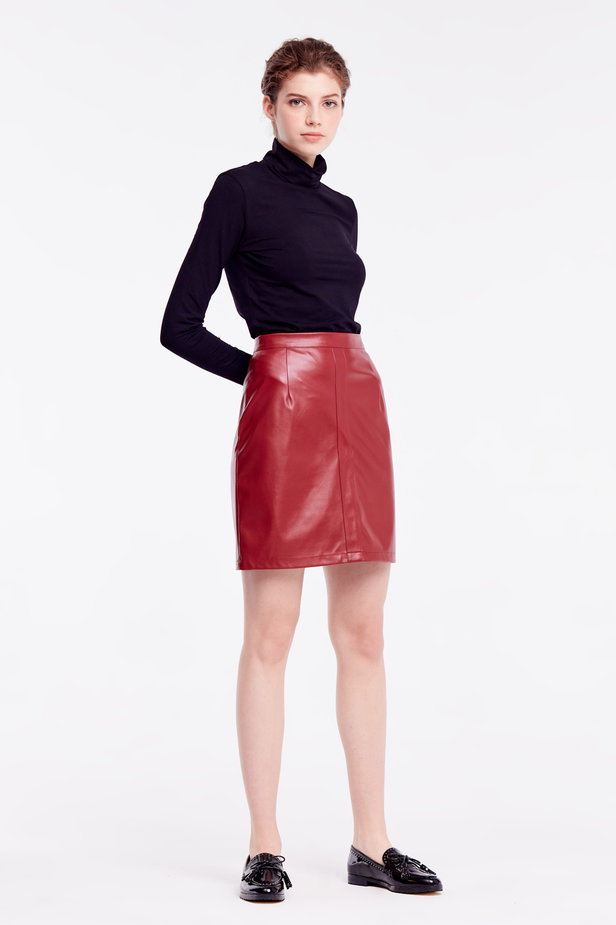 Short burgundy leather skirt photo 6 - MustHave online store