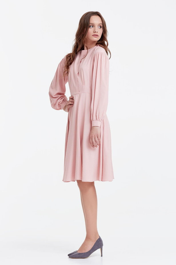 Powder pink dress with a concealed placket and balloon sleeves photo 2 - MustHave online store