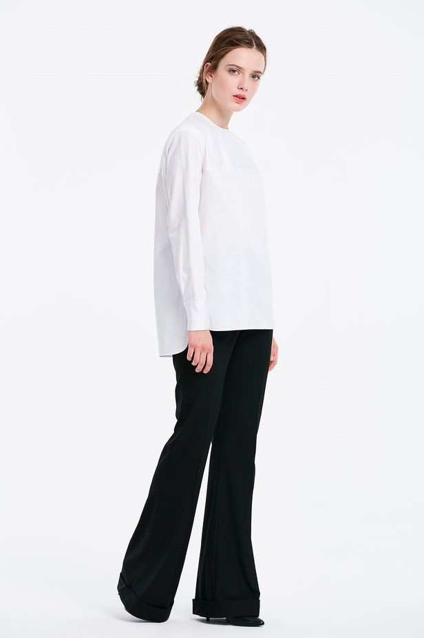 Asymmetrical white shirt photo 4 - MustHave online store