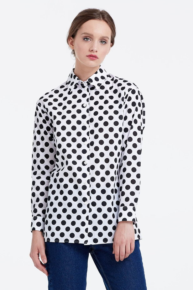 White shirt with a black polka dot print photo 1 - MustHave online store