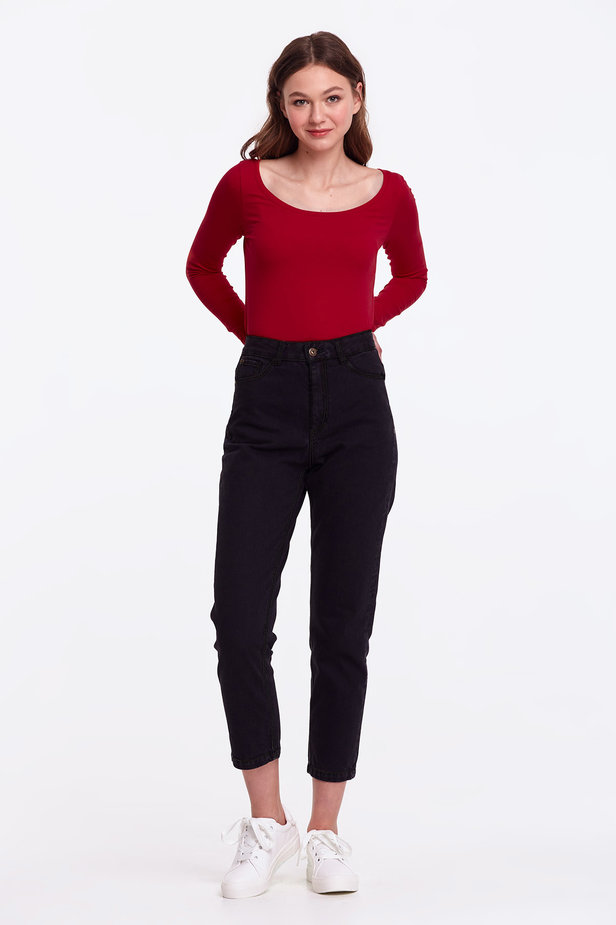 Red jumper photo 6 - MustHave online store