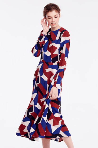 Midi dress with variegated geometric print