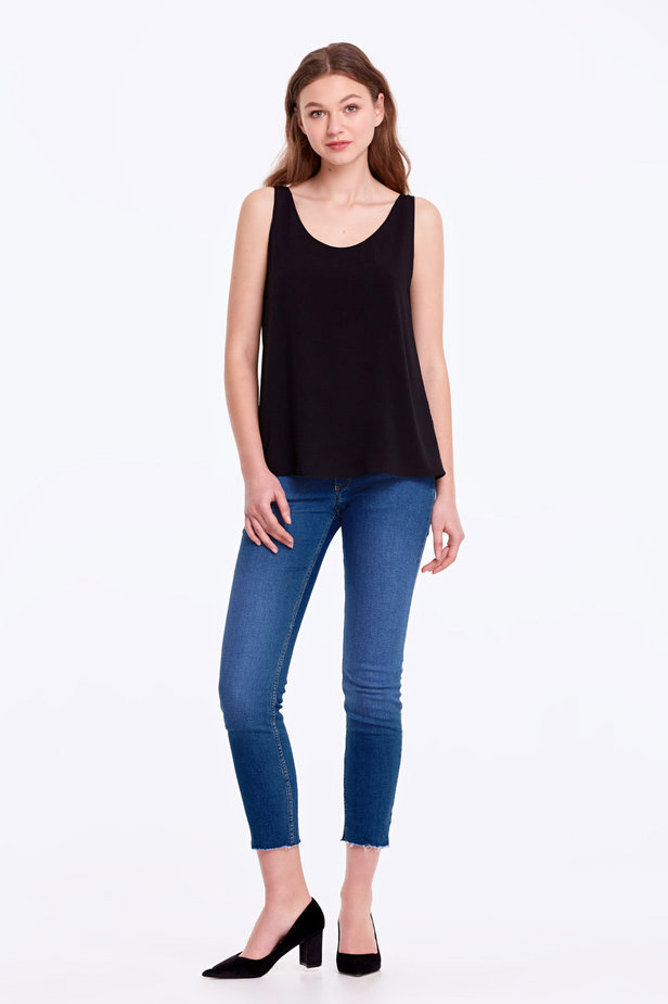 Black top with a scoop neckline photo 5 - MustHave online store